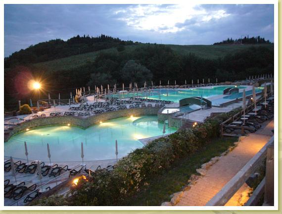 Le piscine mulino di quercegrossa for Piscina fuori terra quando piove